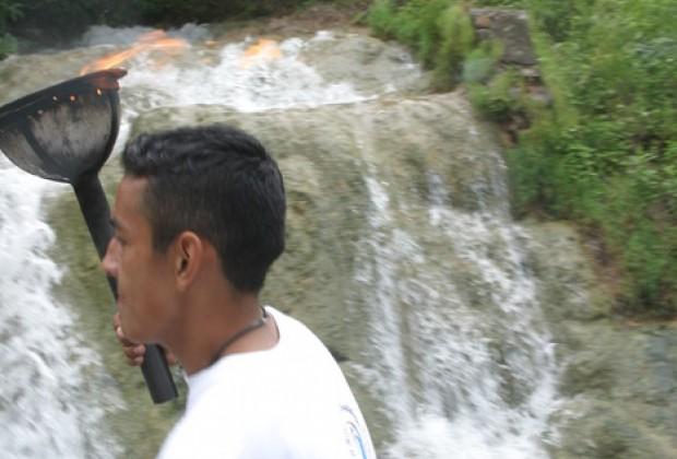 XII. Cholillos bajo el puente.- Contigo al Norte Guadalupe