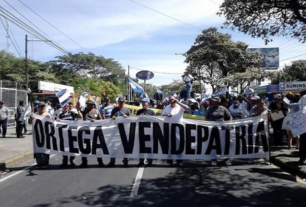 """""""¡Fuera de Nicaragua, chinos!"""". El canal se le viene encima a Ortega"""