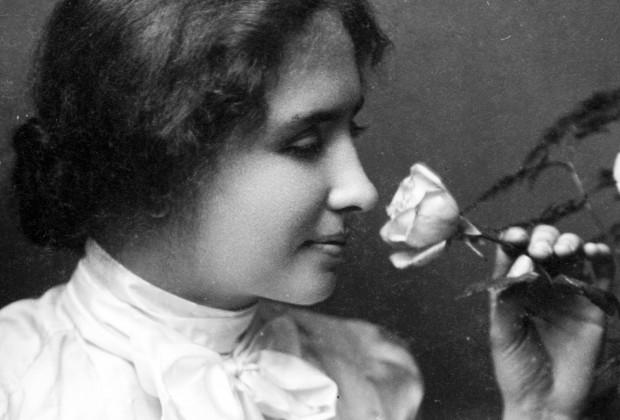 Luz en mi oscuridad. Helen Keller para mirar la noche del viernes en París