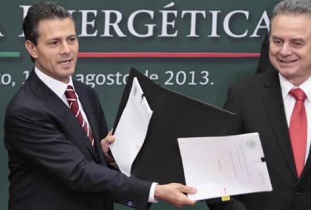 Peña Nieto/PRI: iniciativa privada no es privatizar