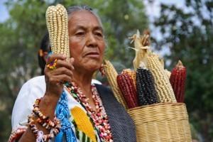 """Día nacional del maíz: """"hacer milpa"""" en la lucha contra la privatización del país"""