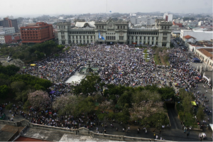 La prolongada agonía de Otto Pérez Molina en Guatemala.