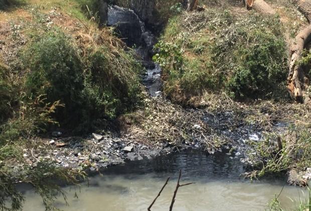 El río Atoyac, año 2016, el colorido de la contaminación industrial